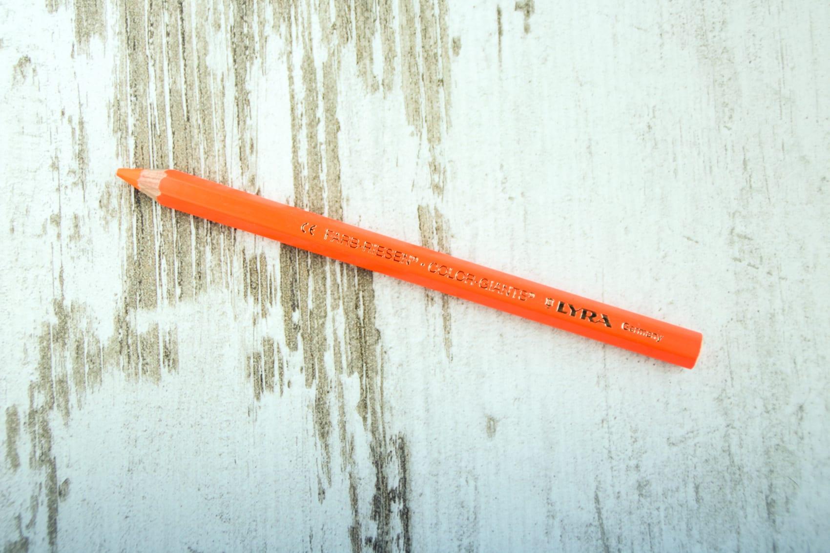 lyra oranje- bag-again, zero waste, houten highlighter potlood